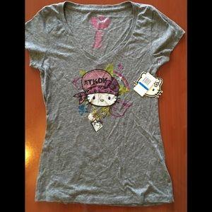 [tokidoki / hello kitty] V-neck T-shirt (NWT)